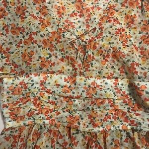 Zara Floral Top (BRAND NEW) Size Small
